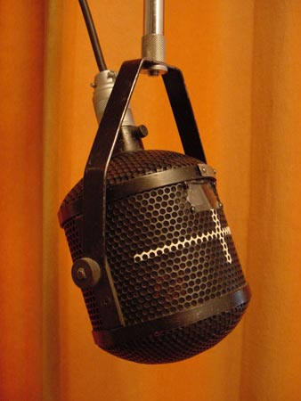 """Western Electric 639a Brand: Western Electric Model: 639a """"birdcase"""" Type: Ribbon Dynamic (dual) Year: 1938 Use: PA,Broadcast, Recording"""